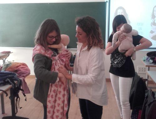 Charla sobre porteo de bebés para alumnado del Ciclo de educación infantil-