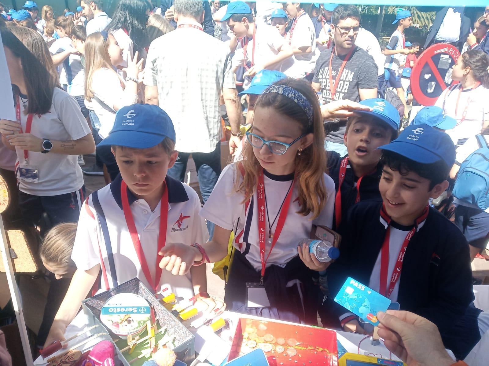 Colegio Montessori participa en el Mercado de Cooperativas de Ibercaja junto a 46 Centros Educativos