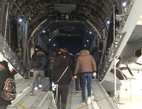 Visita a la Base Aérea de Zaragoza por alumnos de grados de informática